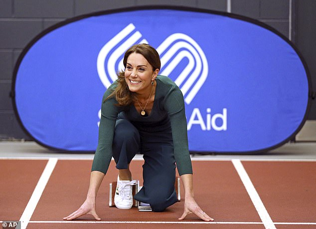 25264394 8105261 Racing stripes Kate Middleton wore the shoes as she raced Jessic a 139 1584046221585