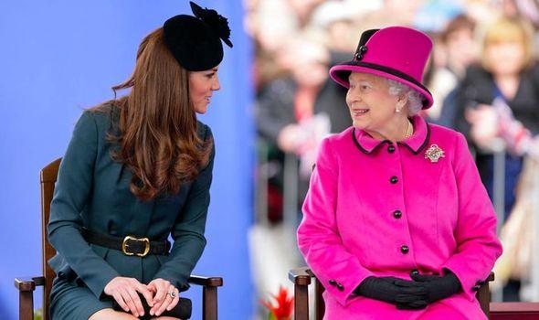kate middleton news queen elizabeth ii latest sandringham royal family news 1387655